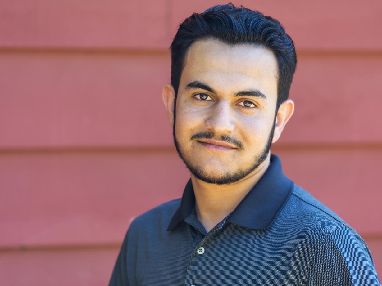 Nawid Khan